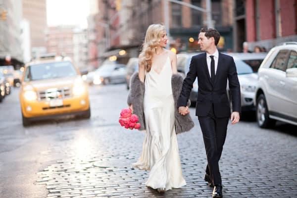 Anel de noivado Fred Leighton. Sandália Ralph Lauren 70e37d592dc
