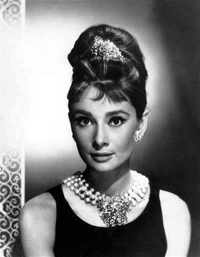 Breakfast at Tiffany s ou Bonequinha de Luxo, é um filme americano de 1961,  de gênero drama. 96027bf293