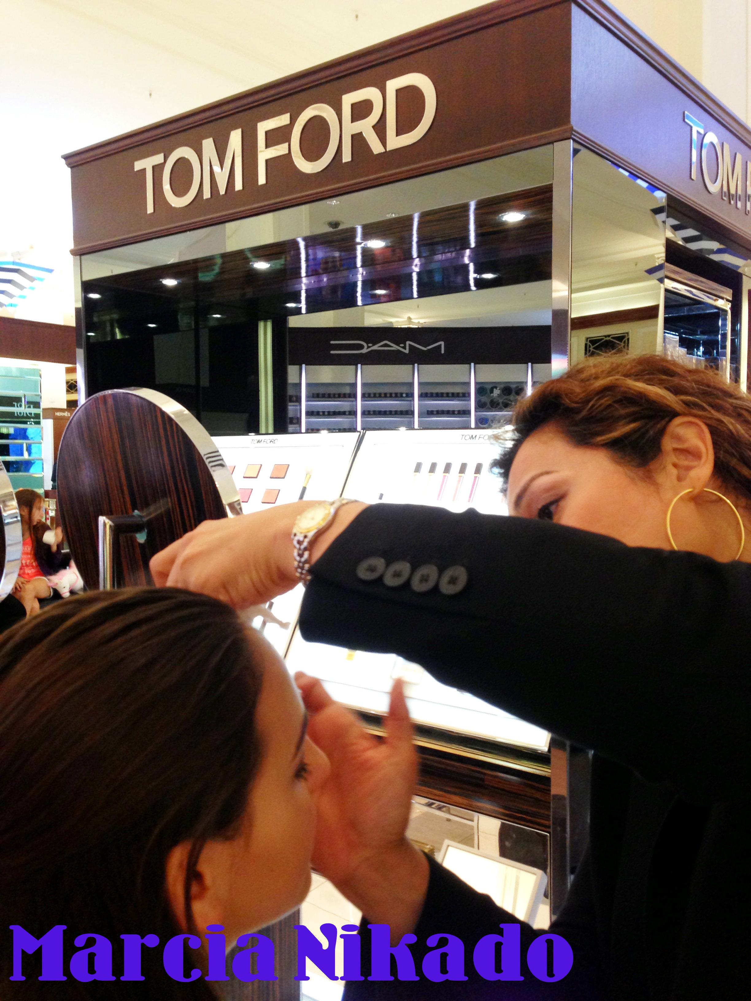 b6ba5f4c31c17 Aqui, alguns produtos da linha de maquiagem TOM FORD que eu adquiri,  gostaria de levar muito mais, mas o preço é um impedimento.