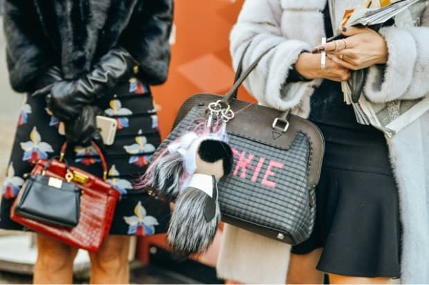 Fashion-Week-Street-Style-Fendi-Karlito-fur-bag-charm-