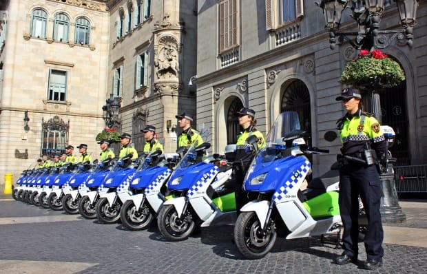 bmw-c-evolution-barcelona-police-02