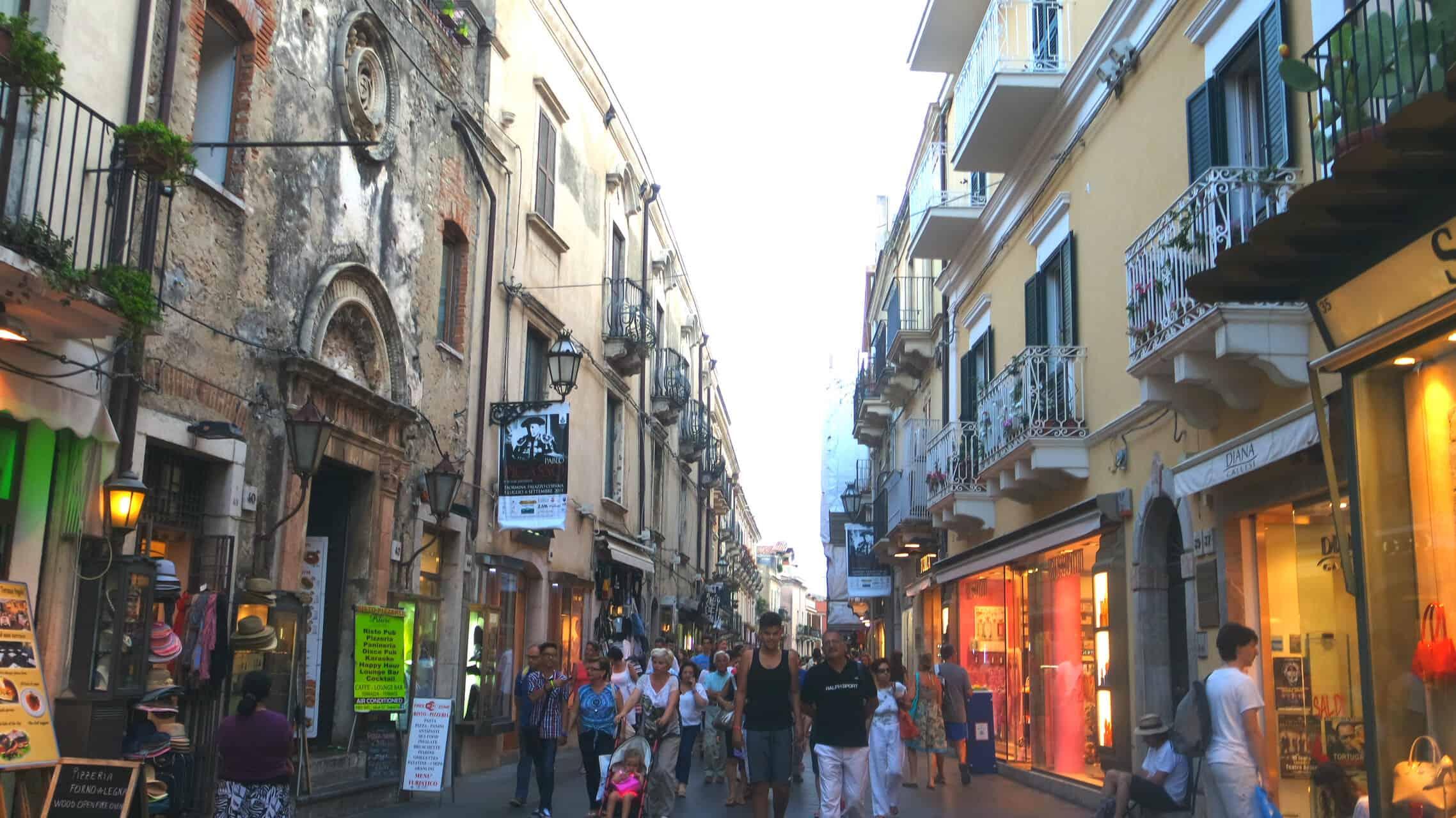 Passeando por Taormina 8abcc6bdf51