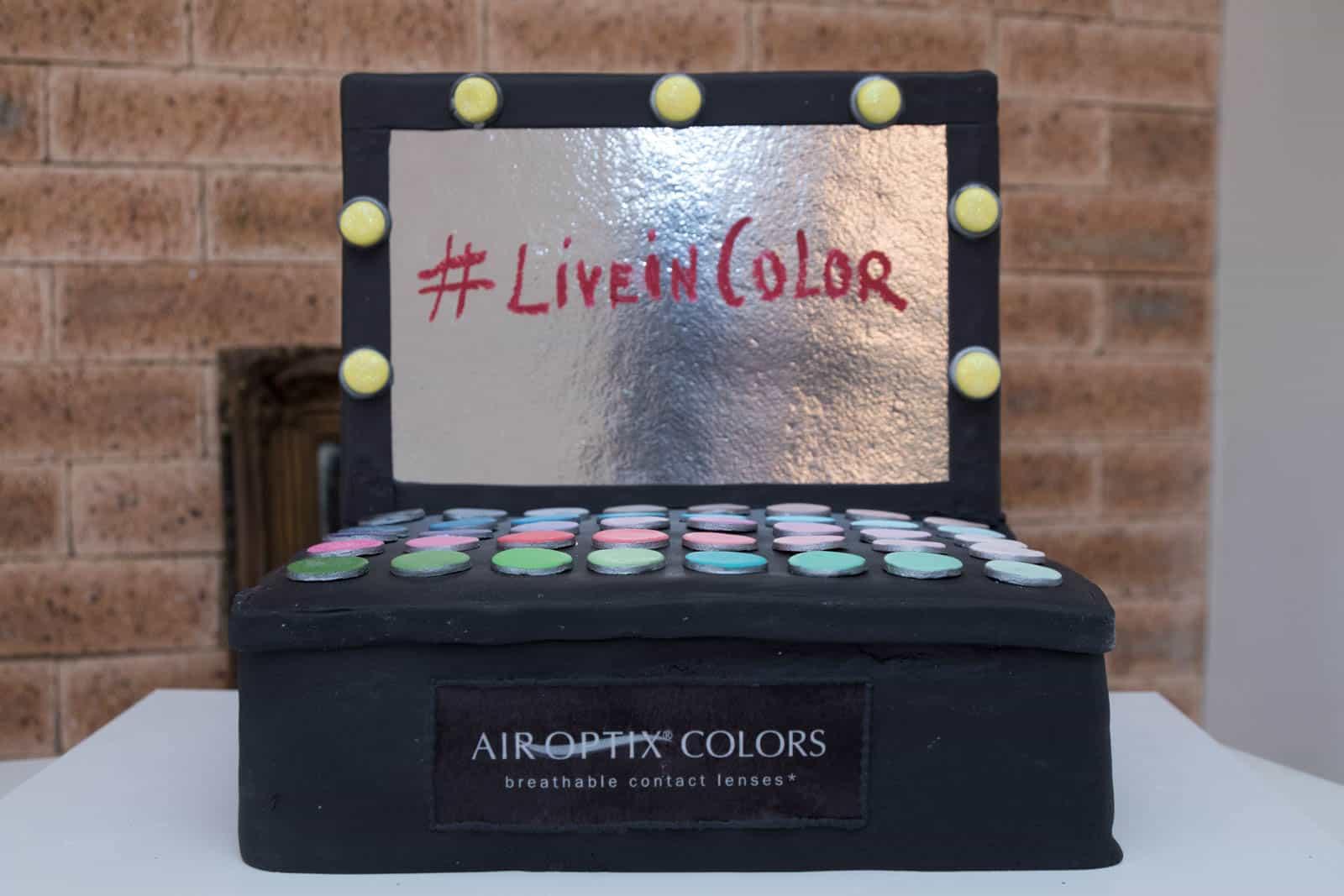 28f6ce6a8c Detalhe  As lentes Air Optix Colors são vendidas por um preço médio de  R 109 por par