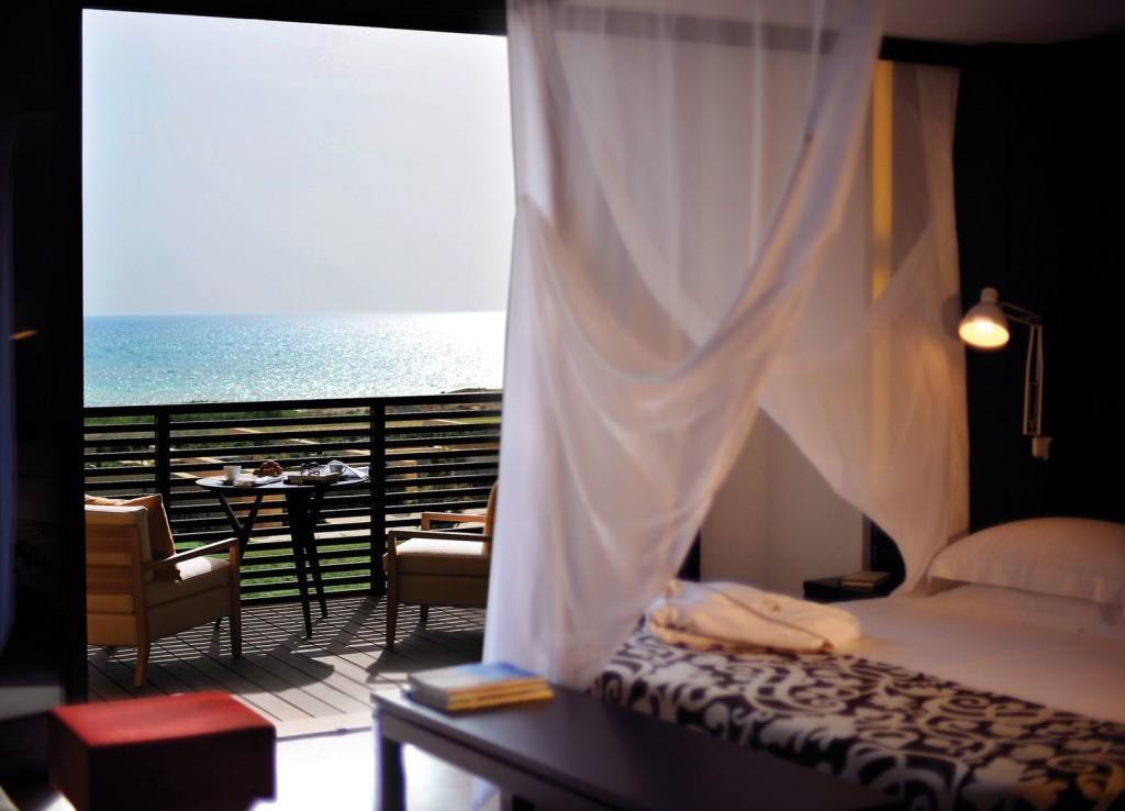 verdura-golf-spa-resort-sicily-deluxe-room-courtyard-building-2861
