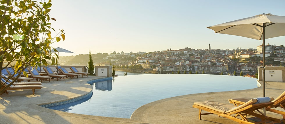 luxury-hotel-porto-pool_63339230155fad8e8ac12d